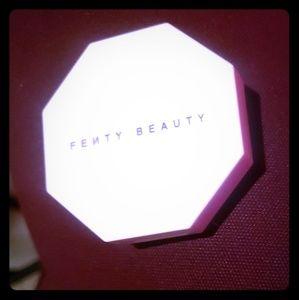 Fenty Beauty Highlighter/Illuminator  New